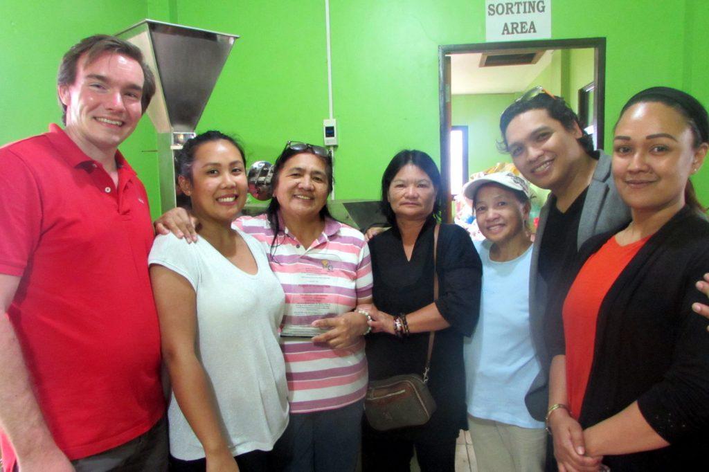 Gruppenfoto mit den philippinischen Produzenten