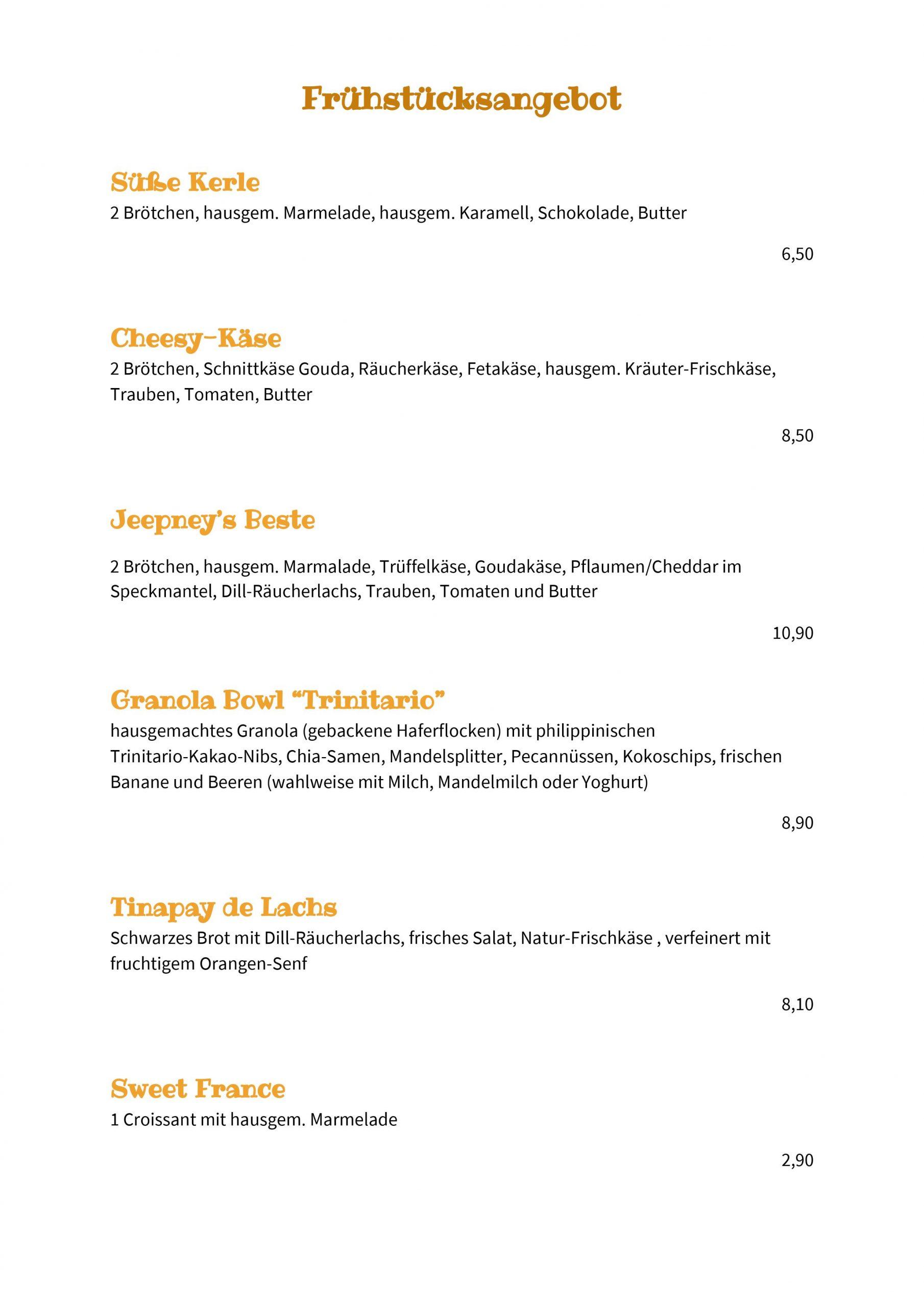 Käseplatte, Granola, Brötchen, Croissants